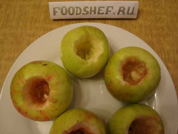 у яблок удаляем сердцевину