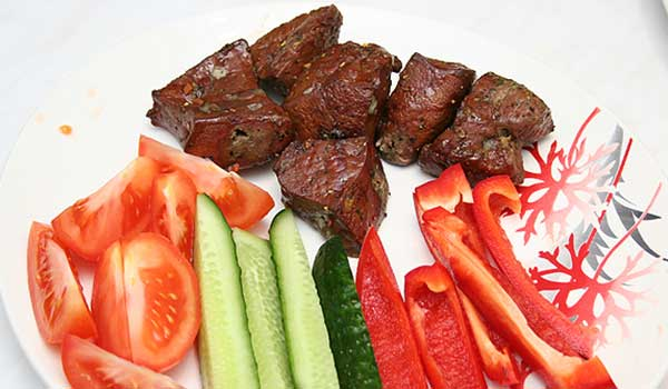 Блюдо мясо в пароварке