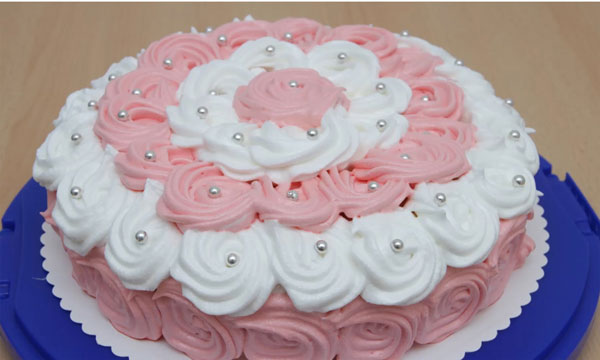 Как делать белковый крем для украшения торта
