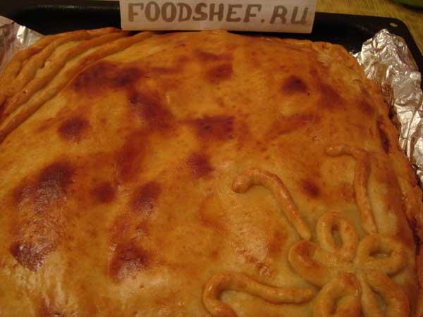 готовый пирог с картошкой и грибами