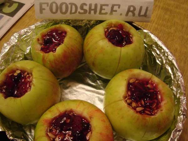 яблоки в сковородке