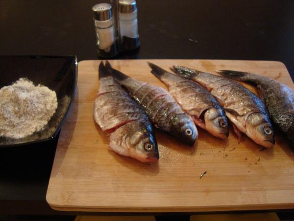 Поперченая и подсленая рыба