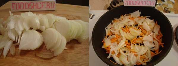 лук соломкой обжариваем вместе с морковкой