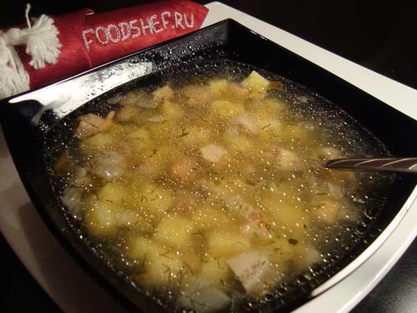 Посмотрите, как приготовить суп из соленых груздей в рецепте с фото, где пошагово представлен весь кулинарный процесс обработки продуктов.